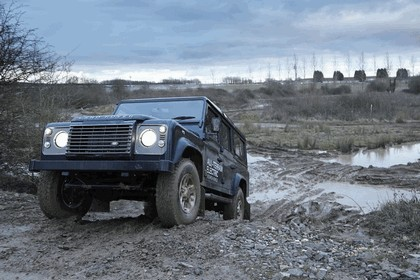 2013 Land Rover Defender - electric research vehicle 8