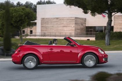 2013 Volkswagen Beetle cabriolet 4