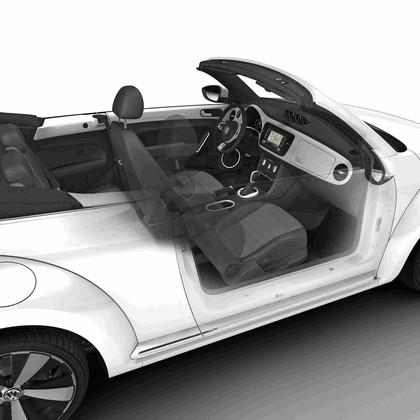 2013 Volkswagen Beetle cabriolet 34