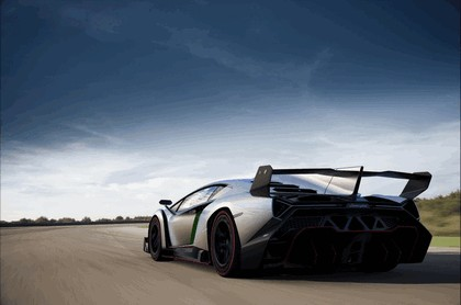 2013 Lamborghini Veneno 9