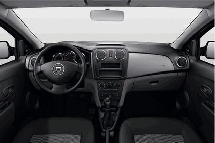 2013 Dacia Logan MCV 23