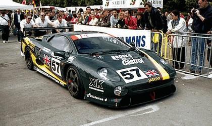 1990 Jaguar XJ220 race car 3