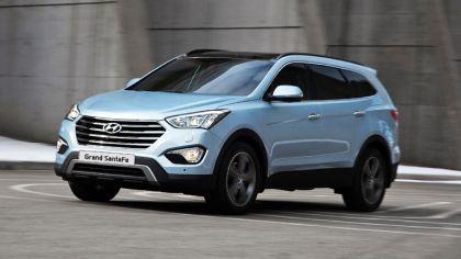 2013 Hyundai Grand Santa Fe 9