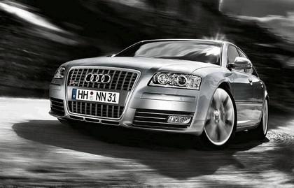 2007 Audi S8 1