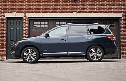 2014 Nissan Pathfinder Hybrid 2