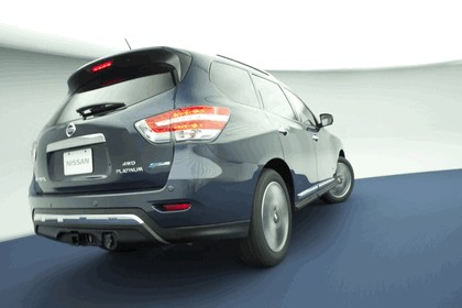 2014 Nissan Pathfinder Hybrid 12