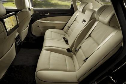 2014 Hyundai Equus 28