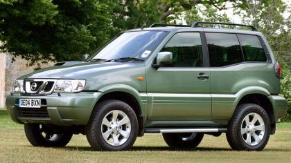 1999 Nissan Terrano II ( R20 ) 3-door - UK version 9