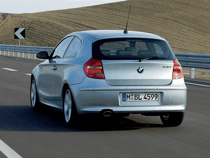 2007 BMW 120i 3-door 18