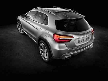 2013 Mercedes-Benz GLA concept 5