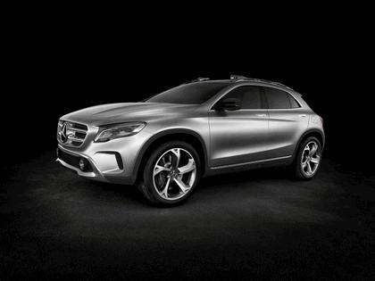 2013 Mercedes-Benz GLA concept 7