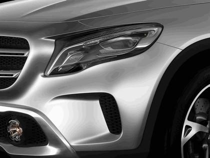 2013 Mercedes-Benz GLA concept 11