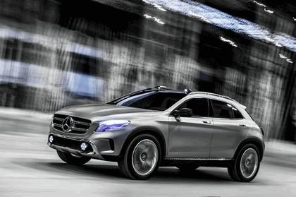 2013 Mercedes-Benz GLA concept 21