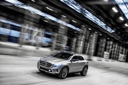 2013 Mercedes-Benz GLA concept 22