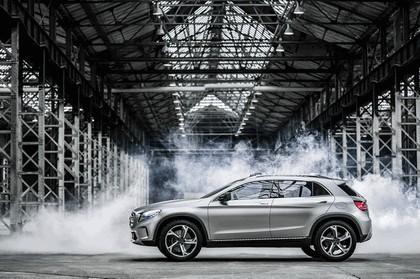 2013 Mercedes-Benz GLA concept 23