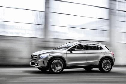 2013 Mercedes-Benz GLA concept 25