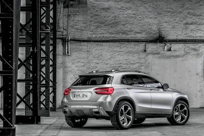 2013 Mercedes-Benz GLA concept 27