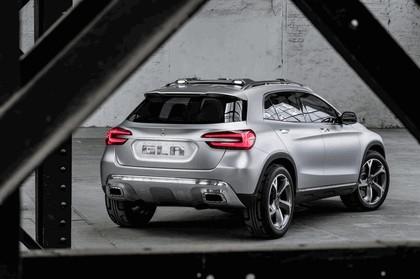 2013 Mercedes-Benz GLA concept 30
