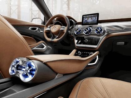 2013 Mercedes-Benz GLA concept 36