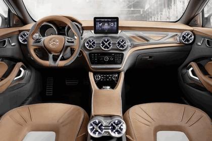 2013 Mercedes-Benz GLA concept 38