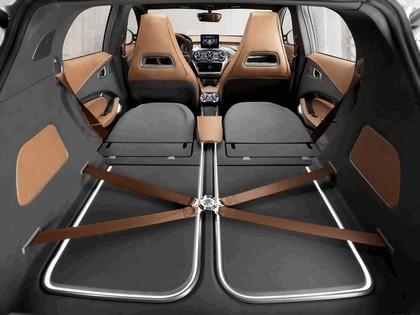 2013 Mercedes-Benz GLA concept 42