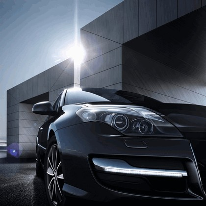 2013 Renault Laguna hatchback phase 3 6