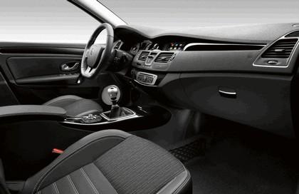 2013 Renault Laguna hatchback phase 3 8