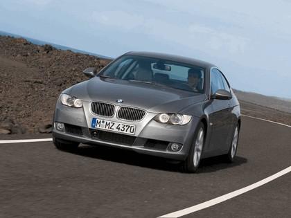 2007 BMW 335i coupé 18