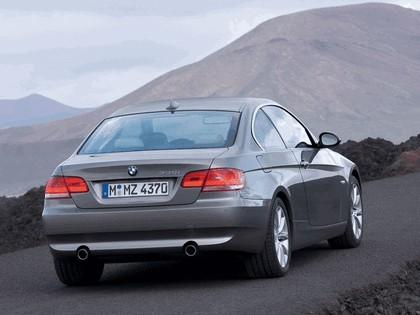 2007 BMW 335i coupé 25