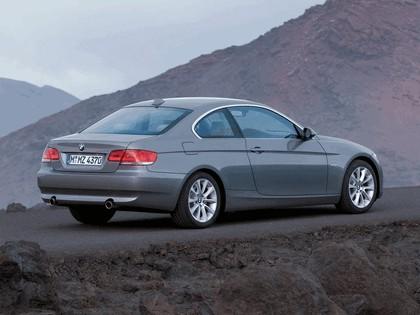 2007 BMW 335i coupé 34