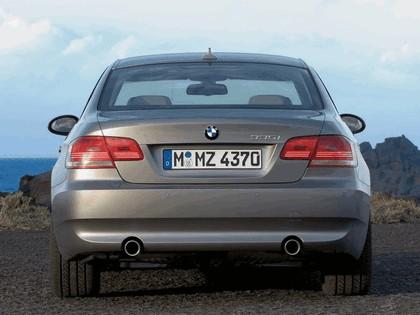2007 BMW 335i coupé 36