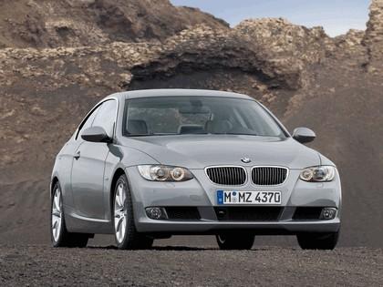 2007 BMW 335i coupé 37