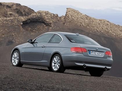 2007 BMW 335i coupé 39