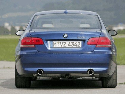 2007 BMW 335i coupé 69