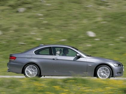 2007 BMW 335i coupé 85