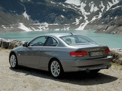 2007 BMW 335i coupé 86