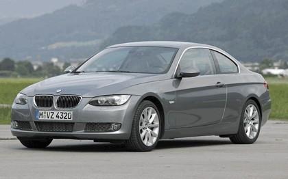 2007 BMW 335i coupé 184