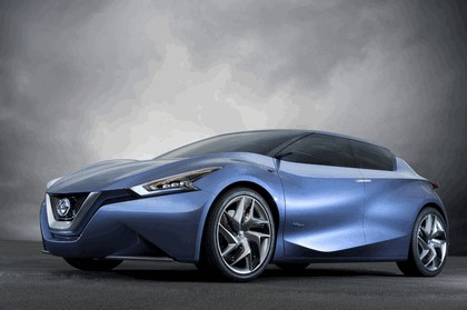 2013 Nissan Friend-ME concept 2