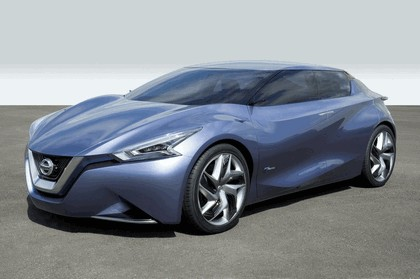 2013 Nissan Friend-ME concept 10