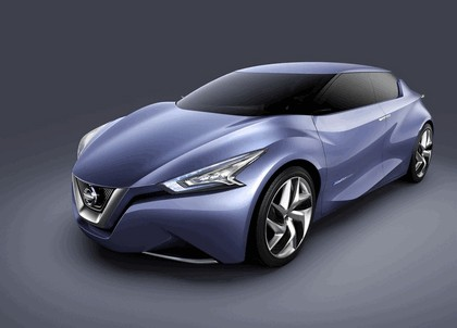 2013 Nissan Friend-ME concept 19
