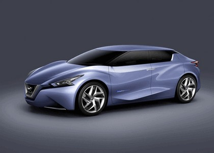 2013 Nissan Friend-ME concept 20