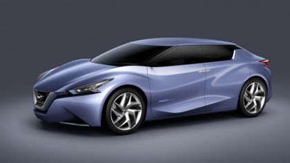 2013 Nissan Friend-ME concept 6