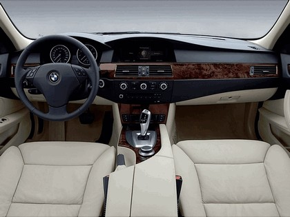 2007 BMW 530i 27