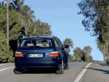 2007 BMW 530i touring 16