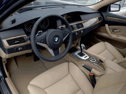 2007 BMW 530i touring 28