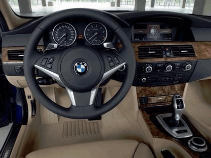 2007 BMW 530i touring 29