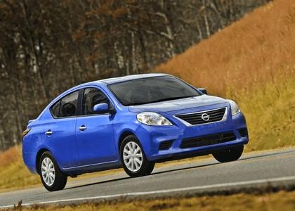 2014 Nissan Versa sedan 4
