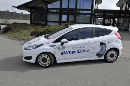 2013 Ford Fiesta eWheelDrive 27