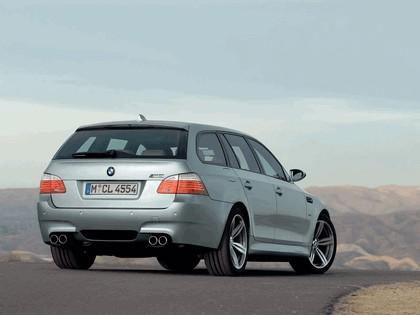 2007 BMW M5 touring 17