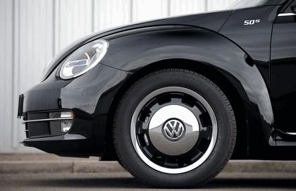 2013 Volkswagen Beetle cabriolet 50s edition - UK version 9